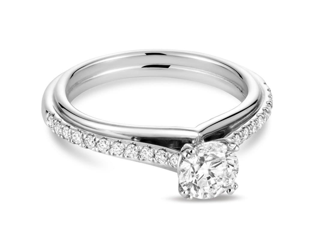 Somptueuses bague de fiançailles diamant Esméralda en 14k